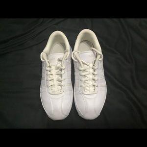 Nike Musique III women's Running Shoes
